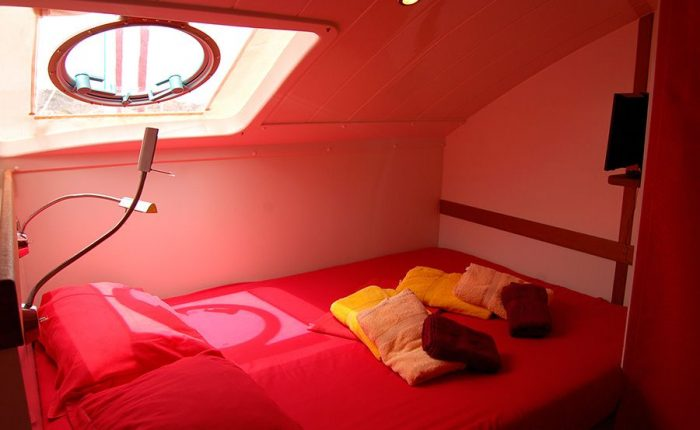 Catamaran Dream 82 Interior Cabin