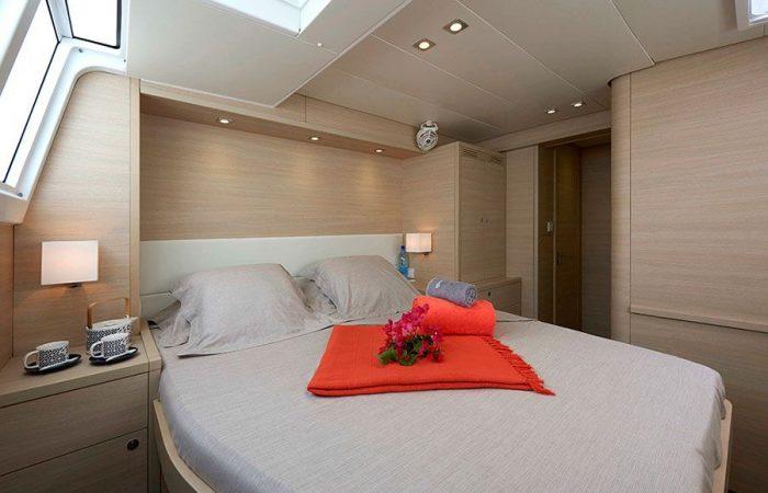 Interior Cabin Catamaran Llagoon 620