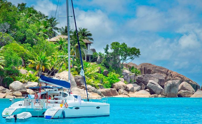 La Digue Island Sailing