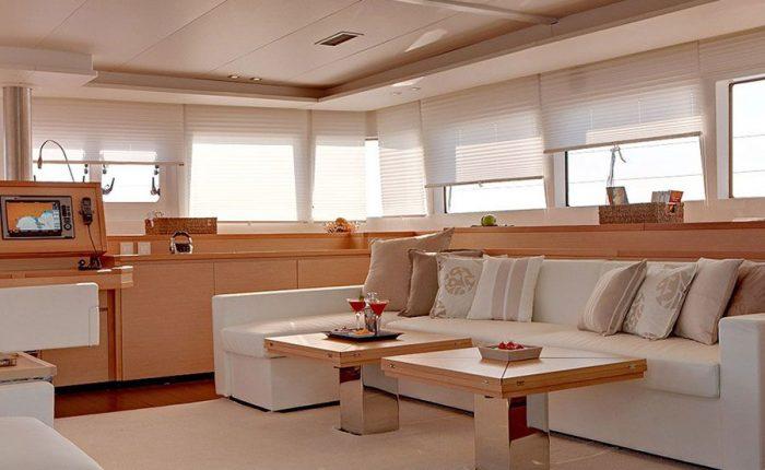 Social Area Catamaran Lagoon 620